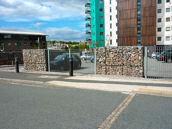 freestanding gabion wall
