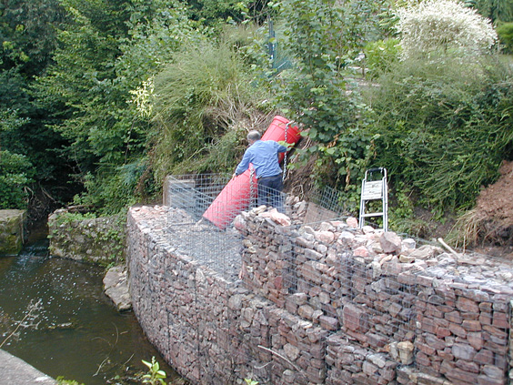 curved retaining wall using gabion baskets
