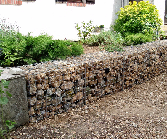 gabion-wall-in-normandie-france