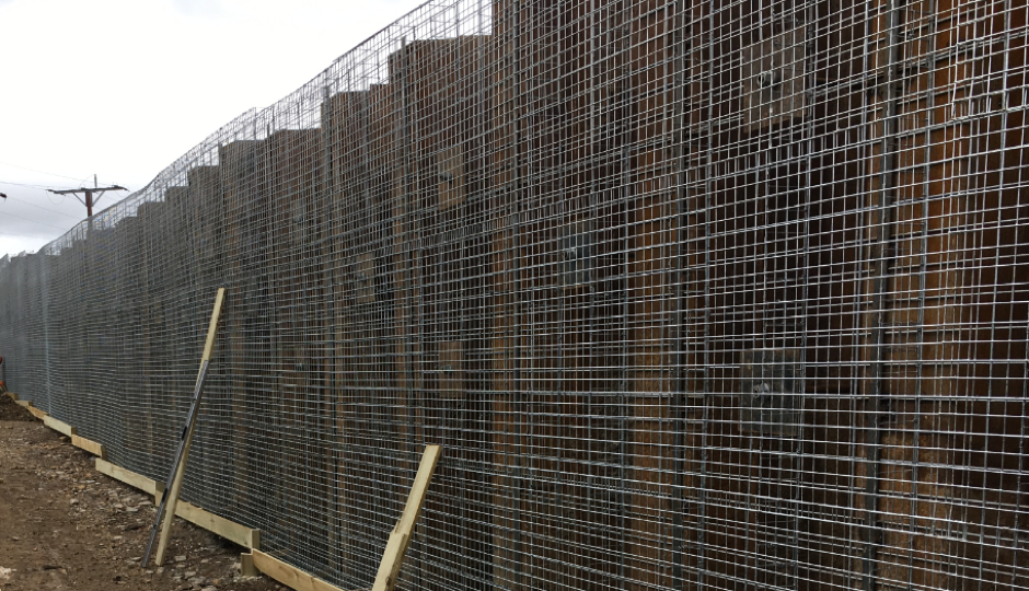 gabion-facing-to-sheet-pile-retaining-wall
